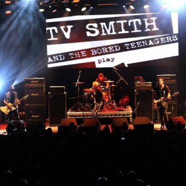 17.02.18 TV Smith Bored Teenagers live kleiner